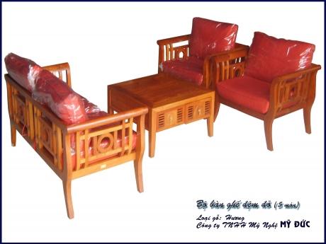 Bộ bàn ghế đệm đỏ - 4 món